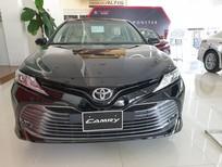 Toyota Camry 2.0G 2020 màu đen, trả trước chỉ từ 350 triệu nhận xe ngay