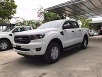 Bán xe Ford Ranger XLS 4x2 AT đời 2019, màu trắng, xe nhập, giá xe thương lượng tại Sơn La