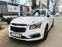 Cần bán gấp Chevrolet Cruze sản xuất năm 2016, màu trắng số tự động