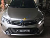 Bán Toyota Camry 2.5Q năm 2016, màu vàng cát