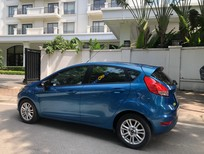 Xe Ford Fiesta sản xuất năm 2014, màu xanh lam, xe nhập