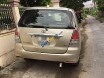 Cần bán xe Toyota Innova sản xuất 2010, màu vàng xe gia đình