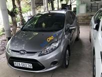 Cần bán gấp Ford Fiesta sản xuất 2011, màu xám, nhập khẩu số tự động