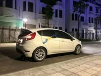 Cần bán xe Ford Fiesta năm sản xuất 2014, màu trắng chính chủ