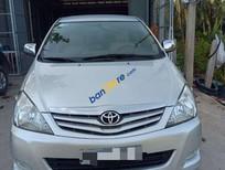 Cần bán lại xe Toyota Innova sản xuất năm 2010, màu bạc xe gia đình