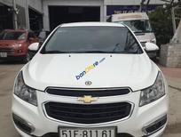 Cần bán Chevrolet Cruze năm 2016, màu trắng, xe gia đình