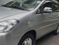 Cần bán Toyota Innova V 2.0 AT năm 2011, màu bạc