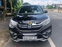 Cần bán Honda CR V sản xuất 2017, màu đen xe gia đình