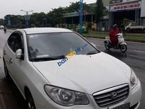 Cần bán gấp Hyundai Elantra năm 2012, màu trắng còn mới
