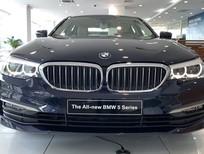 Bán BMW 530i 2019 màu xanh dương, xe nhập khẩu nguyên chiếc chính hãng mới. Giảm tiền mặt 150 triệu