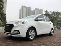 Cần bán xe Hyundai i10 1.2AT 2019, màu trắng, xe mới đi 5000km