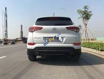 Cần bán xe Hyundai Tucson sản xuất 2015, màu trắng, nhập khẩu nguyên chiếc