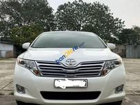 Cần bán xe Toyota Venza năm sản xuất 2009, màu trắng, nhập khẩu nguyên chiếc giá cạnh tranh
