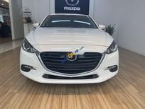Xe Mazda 3 sản xuất 2019, màu trắng còn mới