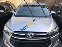 Cần bán Toyota Innova sản xuất 2018, màu bạc, giá tốt