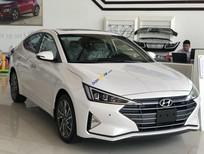 Cần bán xe Hyundai Elantra sản xuất năm 2020, màu trắng