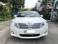 Cần bán Toyota Venza AT sản xuất năm 2010, màu trắng, xe nhập xe gia đình giá cạnh tranh