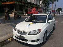 Cần bán gấp Hyundai Avante sản xuất 2011, màu trắng, nhập khẩu
