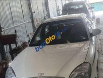 Xe Daewoo Nubira sản xuất 2002, màu trắng