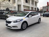 Cần bán lại xe Kia K3 2015, màu trắng, số sàn