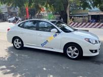 Cần bán lại xe Hyundai Avante 1.6AT năm 2015, màu trắng, nhập khẩu