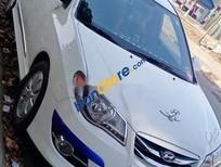 Bán xe cũ Hyundai Avante đời 2013, màu trắng