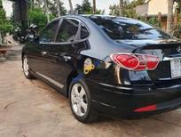 Cần bán gấp Hyundai Avante sản xuất 2011, màu đen, giá tốt