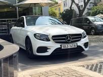 Bán Mercedes E300 2019, xe lướt, màu trắng