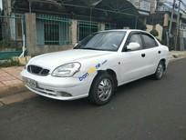 Cần bán lại xe Daewoo Nubira năm sản xuất 2001, màu trắng xe gia đình