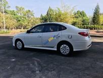 Cần bán xe Hyundai Avante năm sản xuất 2015, màu trắng