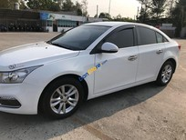 Bán xe Chevrolet Cruze 1.6LT 2017, màu trắng, xe gia đình, giá tốt