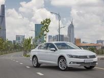 Bán ô tô Volkswagen Passat comfort sản xuất 2017, màu trắng, nhập khẩu nguyên chiếc