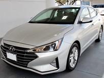 Bán xe Hyundai Elantra sản xuất năm 2020, màu trắng, 560tr