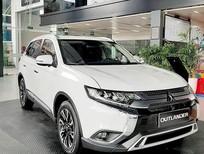Bán xe Mitsubishi Outlander 2.4 CVT, màu trắng, bán trả góp