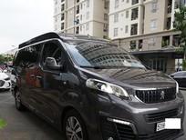 Cần bán gấp Peugeot Traveller Limousine 2020, màu xám, xe nhập