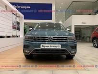 KM cực khủng tháng này cho Tiguan Luxury S lên đến 100 triệu+Gói phụ kiện đặc biệt. LH Ms. Uyên: 0932118667