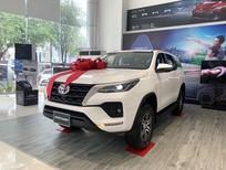 Cần bán gấp xe Toyota Fortuner 2.4MT 4x2 đời 2021, xả kho giá siêu tốt