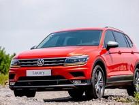 Volkswagen đỏ 7 chỗ nhập khẩu nguyên chiếc hỗ trợ phí trước bạ, giao xe ngay đủ màu, tặng gói phụ kiện chính hãng
