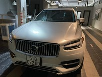 Bán xe Volvo XC90 Incription 2018 màu trắng, full option