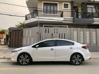 Cần bán xe Kia Cerato model 2019 màu trắng