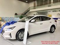 Bán Hyundai Elantra 2021 số sàn màu trắng, chỉ 180 triệu nhận xe
