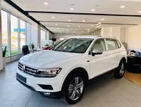 Cần bán xe Volkswagen Tiguan sản xuất 2021, màu trắng, xe nhập