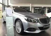 Cần bán gấp Mercedes E400 sản xuất 2014, màu bạc
