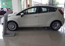 Bán Ford Fiesta 1.0 Ecoboost 2017 mầu trắng cam kết giá tốt nhất. LH 0933523838