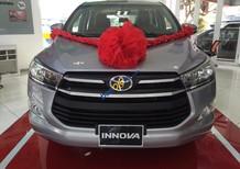 Bán Toyota Innova 2.0E số sàn, mẫu mới, xe giao ngay, hỗ trợ vay 95% giá trị xe
