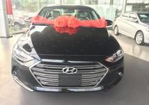Bán ô tô Hyundai Elantra 2.0 AT  đời 2017, màu đen