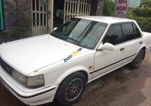 Cần bán xe Nissan Bluebird đời 1987, màu trắng