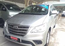 Bán Toyota Innova 2.0E 2014, màu bạc giá cạnh tranh