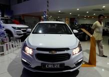 Bán xe Chevrolet Cruze LT 1.6, 2018, màu trắng, LH 0934022388 Thảo, giá fix nhất