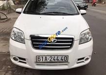 Cần bán gấp Daewoo Gentra năm 2009, màu trắng còn mới